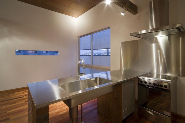 tuyu kitchen.jpg