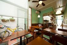 川口の狭小店舗併用住宅(カフェ)・埼玉 (建築面積 約13.1坪)の画像