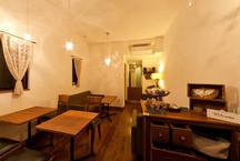 根津の狭小店舗併用住宅(カフェ)・東京 (建築面積 約8.5坪)の画像