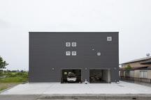 埼玉・吉川のガレージハウス(ペットと暮らす家)の画像