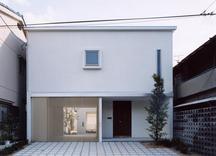 平野の中庭のある二世帯住宅・大阪の画像