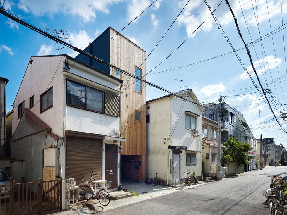 六甲の狭小住宅2・神戸 (建築面積 約6.7坪)