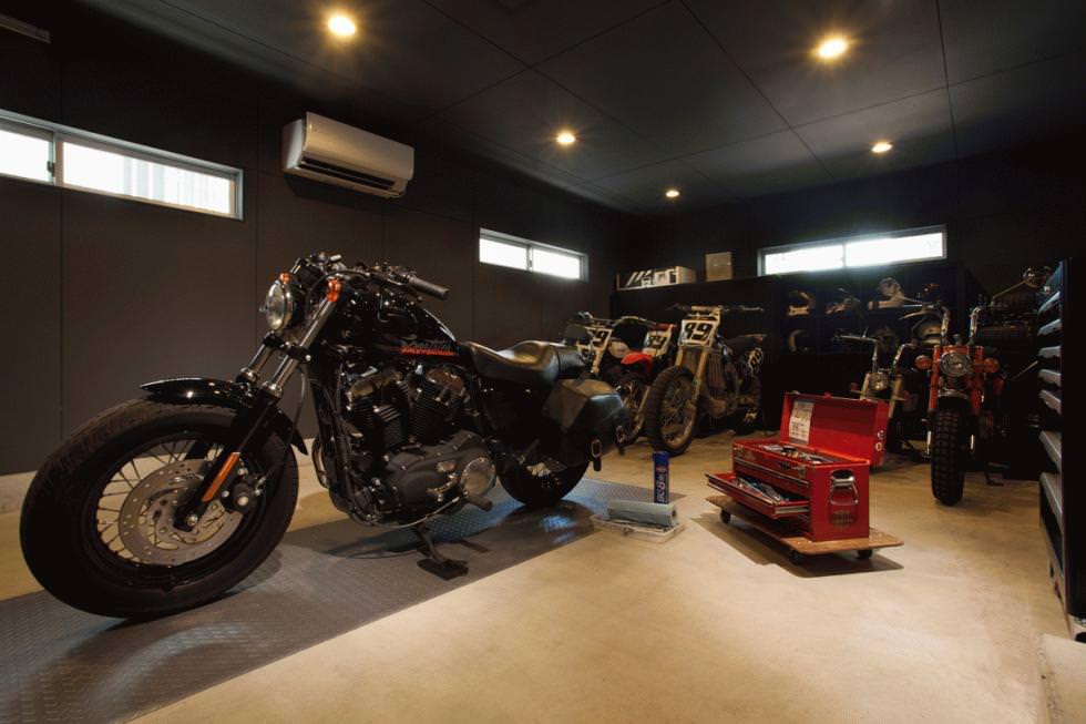 朝霞のバイクガレージハウス