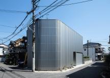 鳳の狭小ガレージハウス・大阪(建築面積 約13.4坪)の画像