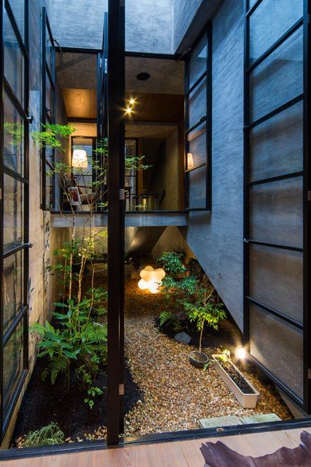 奈良・きたまちの店舗併用住宅 カフェ 狭小住宅 施工例 建築家の住宅をプロデュースするザウス