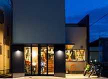 京田辺のカフェ併用ガレージハウスの画像