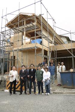 住宅・建築 建築家の住宅をプロデュース ザウス:上棟風景02